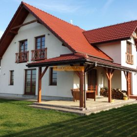 Oferuję do wynajęcia przestronny dom położony 7 min od Zielonek (10 min od Krakowa)