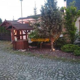 Dom w Złotkowie z dużym ogrodem