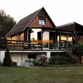 Piekny dom caloroczny w Borach Tucholskich