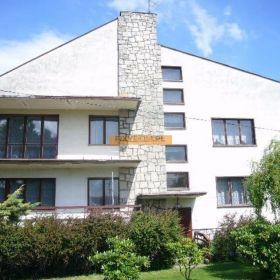 Prudnik/ Rudziczka, woj. opolskie, duży dom wolno stojący na działce 2368 m2